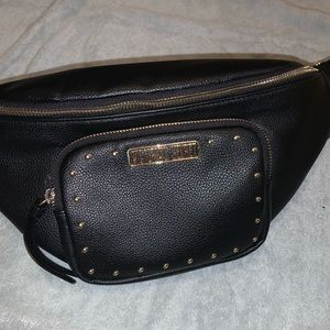Never worn Victoria's Secret Fannypack